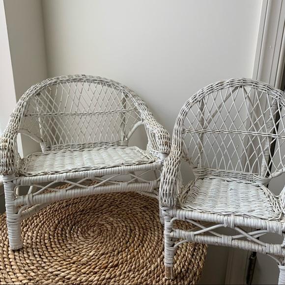 Mini White Wicker Chair Set